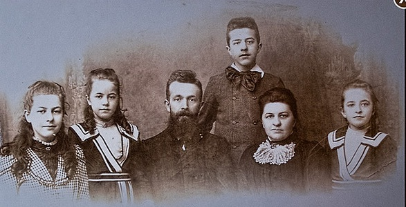 Ten Boom family picture 1900